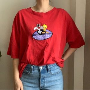 Vtg Looney Tunes Red Oversized Embroidery T Shirt